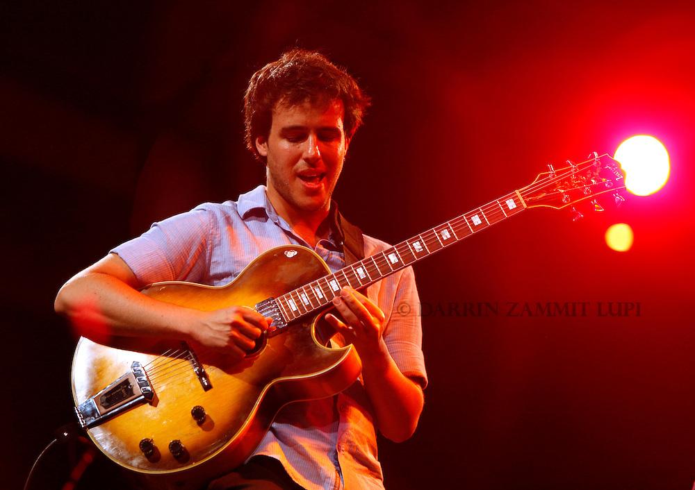 Gilad Hekselman (Ari Hoenig Trio), 2010<br /> Photo by Darrin Zammit Lupi