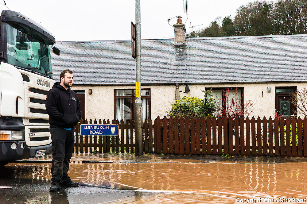 Jedburgh, Scottish Borders, UK. 27th January 2016. The Border town of Jedburgh and the A68 road, a main artery over the Anglo Scot border, was hit by floods after intense torrential rainfall onto already saturated ground.