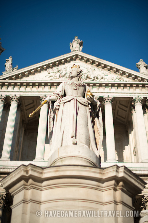 The statue of Queen Victory that stands in front of St Paul's Cathedral, one of the most distinctive of London's landmarks. There has been a church on this site since 604 AD. The current building, with it's massive dome, was designed by Christopher Wren and dates back to the late 17th century.