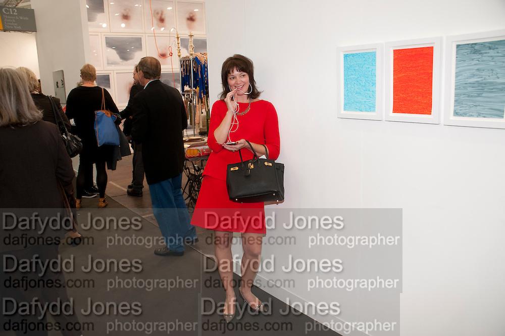 SARAH GAVLAK, FROM A GALLERY IN PALM BEACH, opening of the 2010 Frieze art fair. Regent's Park. London. 13 October 2010. -DO NOT ARCHIVE-© Copyright Photograph by Dafydd Jones. 248 Clapham Rd. London SW9 0PZ. Tel 0207 820 0771. www.dafjones.com.