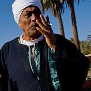 prtrait of egyptian farmer, Thebes side  Louxor - Egypte    /  la rive thebaine  Louqsor - Egypt