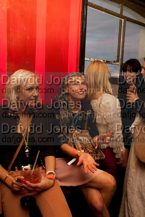 VICOTESA DE CONLEY; RACHEL EARNHARD, WranglerÕs Nottinghill Carnival Party at the Bumpkin restaurant.  Westbourne Park Rd. London W1. 28 August 2011. <br /> <br />  , -DO NOT ARCHIVE-© Copyright Photograph by Dafydd Jones. 248 Clapham Rd. London SW9 0PZ. Tel 0207 820 0771. www.dafjones.com.<br /> VICOTESA DE CONLEY; RACHEL EARNHARD, Wrangler's Nottinghill Carnival Party at the Bumpkin restaurant.  Westbourne Park Rd. London W1. 28 August 2011. <br /> <br />  , -DO NOT ARCHIVE-© Copyright Photograph by Dafydd Jones. 248 Clapham Rd. London SW9 0PZ. Tel 0207 820 0771. www.dafjones.com.
