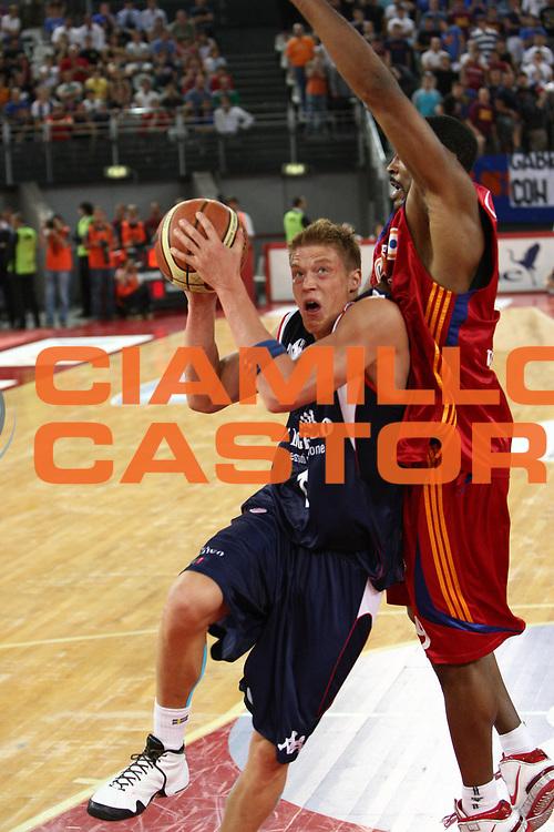 DESCRIZIONE : Roma Lega A 2008-09 Playoff Quarti di finale Gara 5 Lottomatica Virtus Roma Angelico Biella<br /> GIOCATORE : Jonas Jerebko<br /> SQUADRA : Angelico Biella <br /> EVENTO : Campionato Lega A 2008-2009 <br /> GARA : Lottomatica Virtus Roma Angelico Biella<br /> DATA : 26/05/2009<br /> CATEGORIA : penetrazione<br /> SPORT : Pallacanestro <br /> AUTORE : Agenzia Ciamillo-Castoria/C.De Massis<br /> Galleria : Lega Basket A1 2008-2009 <br /> Fotonotizia : Roma Lega A 2008-09 Playoff Quarti di finale Gara 5 Lottomatica Virtus Roma Angelico Biella<br /> Predefinita :