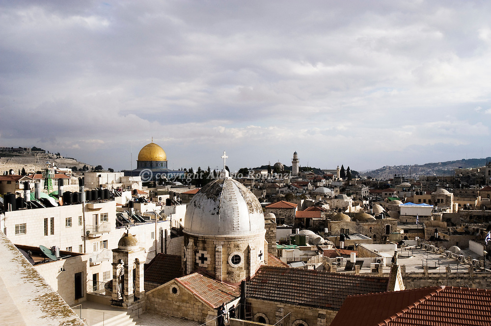 .A general view shows Jerusalem's Old City, on December 08, 2009. Israel and the Palestinians welcomed an EU statement that Jerusalem should be the capital of both the Jewish state and a future Palestinian state..© ALESSIO ROMENZI
