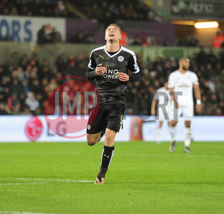 Jamie Vardy of Leicester City looks frustrated after missing a chance on goal. - Mandatory byline: Alex James/JMP - 05/12/2015 - Football - Liberty Stadium - Swansea, Wales - Swansea City v Leicester City - Barclays Premier League