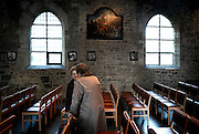 Belgium - Liege April 04, 2007, Women speaking before a mass at St-Martin Basilica ©Jean-Michel Clajot