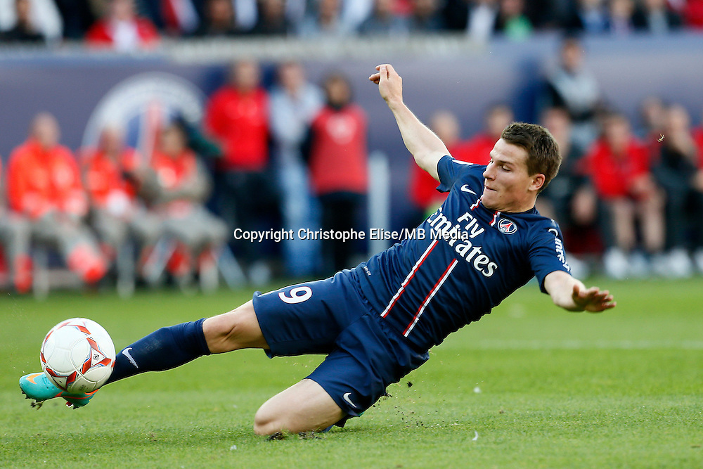 FOOTBALL - FRENCH CHAMPIONSHIP 2012/2013 - L1 - PARIS SAINT GERMAIN VS SOCHAUX - 29/09/2012 - KEVIN GAMEIRO (PARIS SAINT-GERMAIN)
