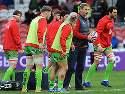 Gloucester Rugby's head coach Johan Ackermann leads the warm up session-Mandatory by-line: Nizaam Jones/JMP- 16/12/2017 - RUGBY - Kingsholm - Gloucester, England - Gloucester Rugby v Zebre Rugby Club- European Rugby Challenge Cup
