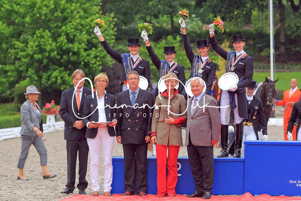 Prizegiving Juniors<br /> European Championship Juniors 2010 <br /> © Hippo Foto - Leanjo de Koster