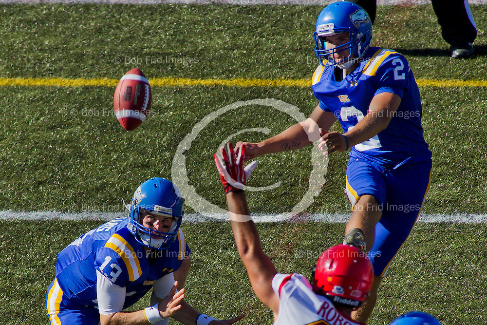 31 August 2013:  Action during a Men's Football game between the University of British Columbia Thunderbirds and the University of Calgary Dinos on Sidoo Field at Thunderbird Stadium, University of British Columbia, Vancouver, BC, Canada.  ****(Photo by Bob Frid/UBC Athletics  2013 All Rights Reserved****)
