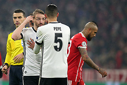20.02.2018, Allianz Arena, Muenchen, GER, UEFA CL, FC Bayern Muenchen vs Besiktas Istanbul, Achtelfinale, Hinspiel, im Bild Caner Erkin (Besiktas Istanbul #88) Pepe (Besiktas Istanbul #5) // during the UEFA Champions League round of 16, 1st Leg Match match between FC Bayern Muenchen and Besiktas Istanbul at the Allianz Arena in Muenchen, Germany on 2018/02/20. EXPA Pictures &copy; 2018, PhotoCredit: EXPA/ Eibner-Pressefoto/ Langer<br /> <br /> *****ATTENTION - OUT of GER*****