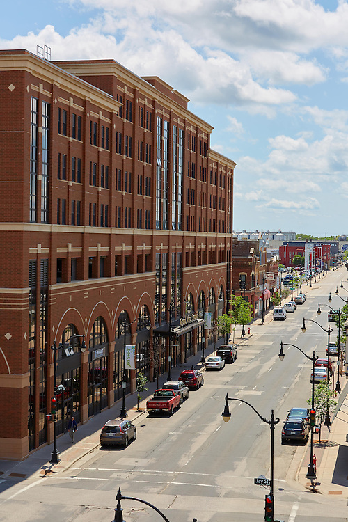 Buildings; Downtown; Location; Outside; Time/Weather; day; Downtown La Crosse views; Bus station transportation