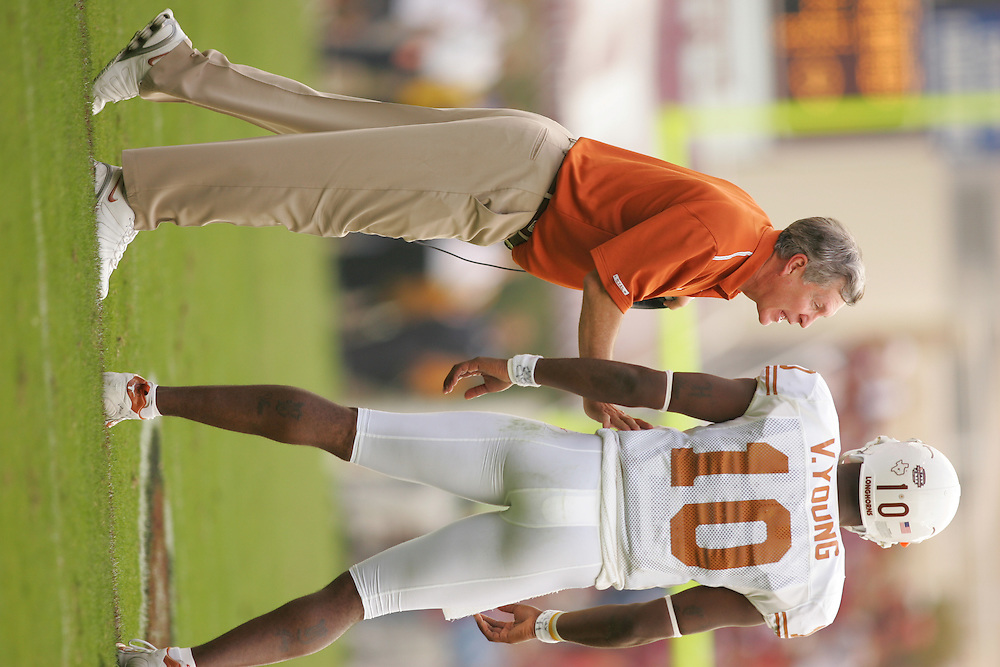 Mack Brown.Texas at Texas A&M.Kyle Field.College Station, TX.Friday, November 25 2005.11-25-05.photograph by Darren Carroll.