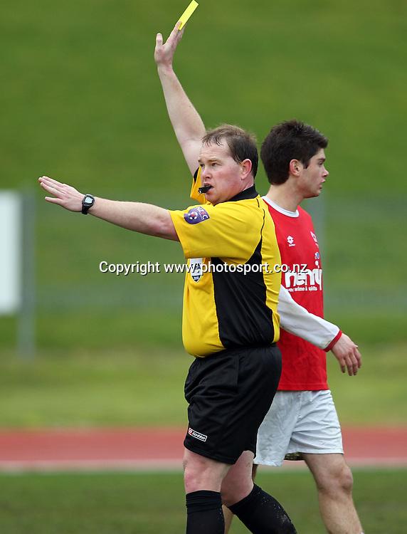 Referee Jamie Cross.<br /> Chatham Cup Semifinal - Caversham v Bay Olympic, 14 August 2010, Caledonian, Dunedin, New Zealand.<br /> Photo: Rob Jefferies/PHOTOSPORT