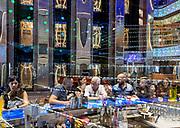 COSTA CROCIERE: the bar in the main lobby