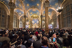 18 April 2019, Jerusalem: On Maundy Thursday (Western tradition), the Church of Gethsemane is filled to the brim with Christians from Jerusalem and all over the world participating in the Easter celebrations. People then light candles, marching through the valley below, and up the hillside to share a moment of prayer.