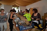 Apertura del Villaggio Trento Half Marathon e del Giro al Sas, consegna dei pettorali agli atleti del 70° Giro al Sas,preparazione pacchi gara, Trento Piazza Fiera 30 settembre 2016 © foto Daniele Mosna