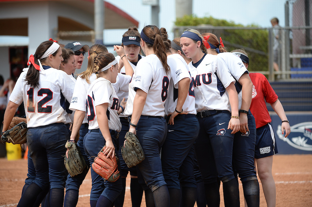 2016 Robert Morris Softball vs Rutgers