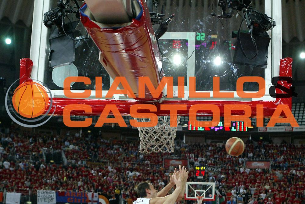 DESCRIZIONE : Roma Lega A1 2005-06 Play Off Quarti Finale Gara 4 Lottomatica Virtus Roma Montepaschi Siena <br />GIOCATORE : Macchine a canestro<br />SQUADRA : <br />EVENTO : Campionato Lega A1 2005-2006 Play Off Quarti Finale Gara 4 <br />GARA : Lottomatica Virtus Roma Montepaschi Siena <br />DATA : 25/05/2006 <br />CATEGORIA : <br />SPORT : Pallacanestro <br />AUTORE : Agenzia Ciamillo-Castoria/M.Di Loreti