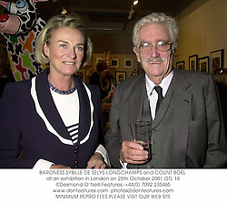 BARONESS SYBILLE DE SELYS-LONGCHAMPS and COUNT BOèL at an exhibition in London on 25th October 2001.OTL 18