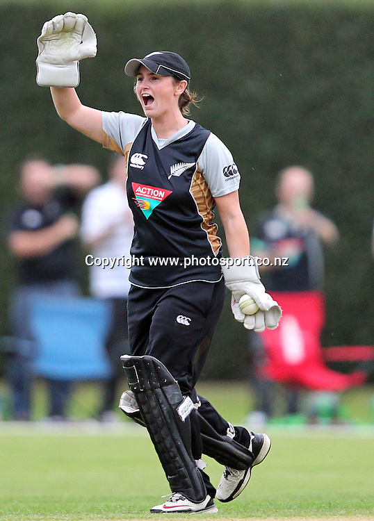 Katey Martin celebrates taking the final wicket to win the game.<br /> Cricket - Rosebowl Series. Twenty20 International - New Zealand White Ferns v Australia, 18 February 2011, Queens Park, Invercargill, New Zealand.<br /> Photo: Rob Jefferies / www.photosport.co.nz