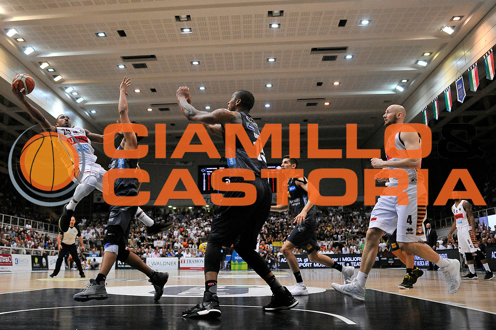 Tyrus McGee<br /> Dolomiti Energia Aquila Basket Trento - Umana Reyer Venezia<br /> Lega Basket Serie A 2016/2017<br /> Playoff, finale gara 4<br /> Trento, 16/06/2017<br /> Foto M.Ceretti / Ciamillo-Castoria