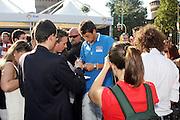 DESCRIZIONE : Milano Invasione degli Ultracanestri Piazza Cairoli Nazionale Italiana Uomini<br /> GIOCATORE : marco belinelli<br /> SQUADRA : Nazionale Italiana Uomini Italia<br /> EVENTO : Milano Invasione degli Ultracanestri Piazza Cairoli Nazionale Italiana Uomini<br /> GARA : <br /> DATA : 18/07/2007 <br /> CATEGORIA : Ritratto<br /> SPORT : Pallacanestro <br /> AUTORE : Agenzia Ciamillo-Castoria<br /> Galleria : Fip Nazionali 2007<br /> Fotonotizia : Milano Invasione degli Ultracanestri Piazza Cairoli Nazionale Italiana Uomini<br /> Predefinita :