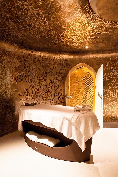 Iniala Luxury Residence, Villa Siam spa by Eggarat Wongcharit, Thailand