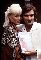 """Fotball<br /> Foto: Fotosports/Digitalsport<br /> NORWAY ONLY<br /> <br /> GEORGE BEST AND WIFE ANGIE AT LAUNCH OF BIOGRAPHY """"WHERE DO I GO FROM HERE"""" IN THE 80'S"""