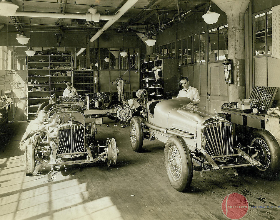Studebaker engineers prepare the Studebaker Specials for the 1932 Indianapolis 500.