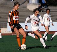 24.05.1987, Lahti, Finland..Mestaruussarja, FC Kuusysi v Reipas..Mika Viljanen (Reipas) v Kevin Todd (Kuusysi).©JUHA TAMMINEN