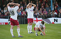 Fotball<br /> England 2004/2005<br /> Foto: SBI/Digitalsport<br /> NORWAY ONLY<br /> <br /> Southend United v Northampton Town<br /> <br /> The Coca-Cola League two play-off semi final 2nd leg. Roots Hall.<br /> 21/05/05<br /> <br /> Northampton players at the end of the game after they have lost.
