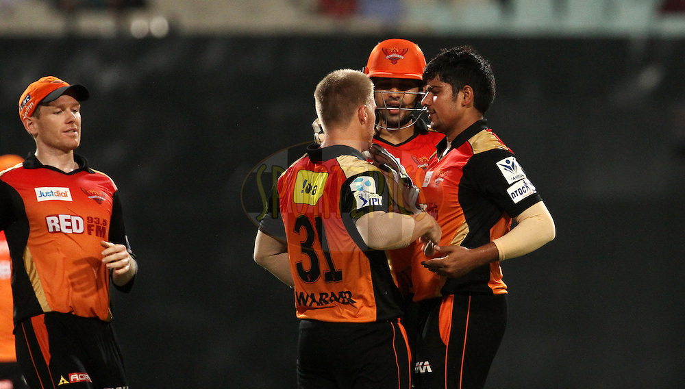 Sunrisers Hyderabad players celebrates the wicket of Kolkata Knight Riders player Robin Uthappa during match 38 of the Pepsi IPL 2015 (Indian Premier League) between The Kolkata Knight Riders and The Sunrisers Hyderabad held at Eden Gardens Stadium in Kolkata, India on the 4th May 2015.<br /> <br /> Photo by:  Vipin Pawar / SPORTZPICS / IPL