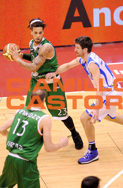 DESCRIZIONE : Milano Coppa Italia Final Eight 2013 Semifinale Banco di Sardegna Sassari Montepaschi Siena<br /> GIOCATORE : Daniel Hackett<br /> CATEGORIA : Tecnica <br /> SQUADRA : Montepaschi Siena<br /> EVENTO : Beko Coppa Italia Final Eight 2013<br /> GARA : Banco di Sardegna Sassari Montepaschi Siena<br /> DATA : 09/02/2013<br /> SPORT : Pallacanestro<br /> AUTORE : Agenzia Ciamillo-Castoria/A.Giberti<br /> Galleria : Lega Basket Final Eight Coppa Italia 2013<br /> Fotonotizia : Milano Coppa Italia Final Eight 2013 Semifinale Banco di Sardegna Sassari Montepaschi Siena<br /> Predefinita :