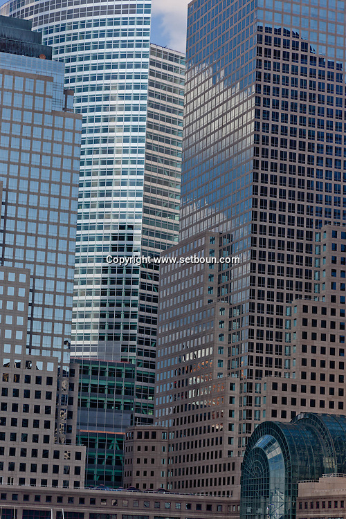 New York. lower Manhattan.World financial center towers,  /  les tours du world financial center  New york - Etats unis