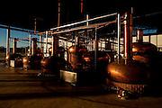 Patos de Minas_MG, 02 de Fevereiro de 2010..Historias - Cachaca Leblon..Na foto, a estrutura para destilar a bebida...Foto: LEO DRUMOND / NITRO
