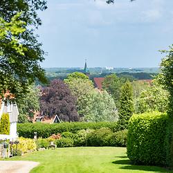 22-05-2020: Nieuws: Stockfotos: Nederland<br />Vanaf de Kuiperberg mooie uitzichten over Twente op het uitzichtpunt uit 1922