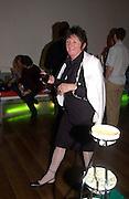 Sacha Craddock, ( curator of the Bloomberg Space) Becks Futures 2003 awards evening. I.C.A. 29 April 2003. © Copyright Photograph by Dafydd Jones 66 Stockwell Park Rd. London SW9 0DA Tel 020 7733 0108 www.dafjones.com