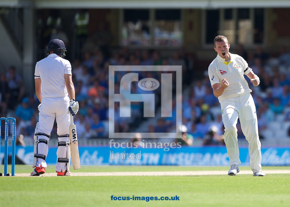 Bowler Peter Siddle of Australia celebrates taking the wicket of Adam Lyth of England (left) during the 5th Investec Ashes Test Match match at the Kia Oval, London<br /> Picture by Alan Stanford/Focus Images Ltd +44 7915 056117<br /> 22/08/2015
