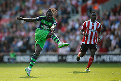 Swansea City's Eder shot from a far is off target - Mandatory by-line: Jason Brown/JMP - 07966 386802 - 26/09/2015 - FOOTBALL - Southampton, St Mary's Stadium - Southampton v Swansea City - Barclays Premier League