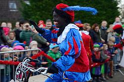 04-12-2015 NED: Sinterklaasfeest op de Pionier, Maarssen<br /> Vreugde bij de Pionier als Sint met zijn pieten de KBS De Pionier weer aandeed / Jorieke