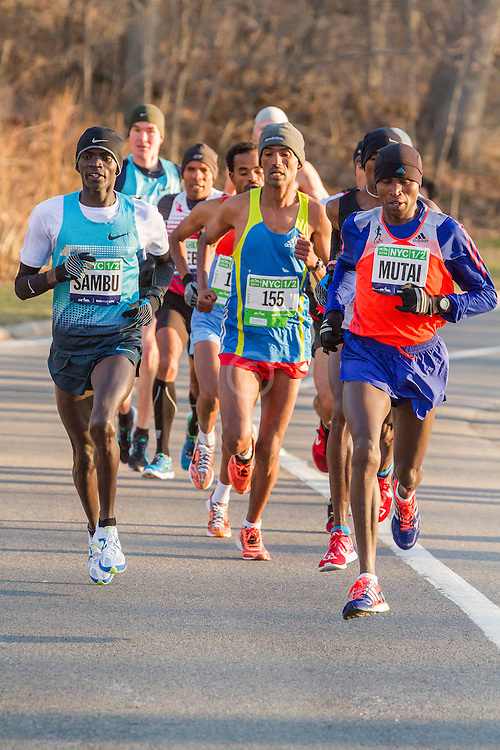lead pack of elite men in Central Park, Sambu, Mutai,