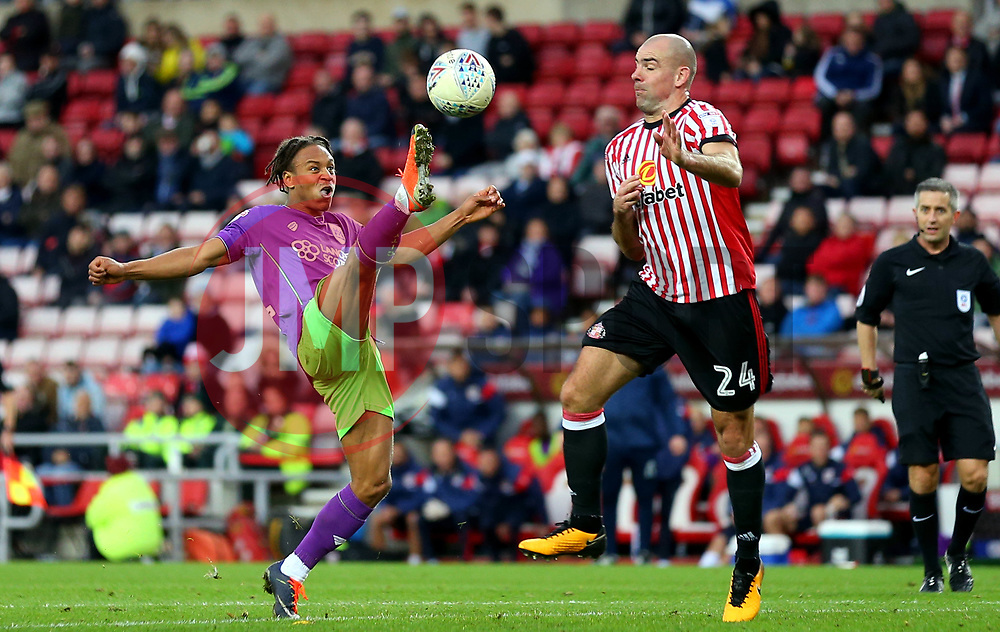Bobby Reid of Bristol City controls the ball ahead of Darron Gibson of Sunderland - Mandatory by-line: Robbie Stephenson/JMP - 28/10/2017 - FOOTBALL - Stadium of Light - Sunderland, England - Sunderland v Bristol City - Sky Bet Championship