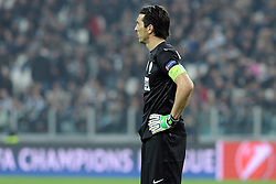 10.04.2013, Juventus Stadium, Turin, ITA, UEFA Champions League, Juventus Turin vs FC Bayern Muenchen, Viertelfinale, Rueckspiel, im Bild Enttaeuscht nach dem Abpfiff: Gianluigi BUFFON (Juventus Turin) // during the UEFA Champions League best of eight 2nd leg match between Juventus FC and FC Bayern Munich at the Juventus Stadium, Torino, Italy on 2013/04/10. EXPA Pictures © 2013, PhotoCredit: EXPA/ Eibner/ Global..***** ATTENTION - AUSTRIA ONLY *****