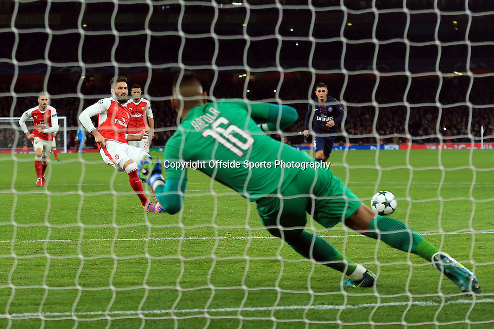 23 November 2016 - UEFA Champions League - (Group A) - Arsenal v Paris Saint Germain - Olivier Giroud of Arsenal scores a goal from the penalty spot - Photo: Marc Atkins / Offside.