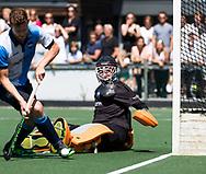 AMSTELVEEN -  keeper Daan Wisselink (Hurley).   Play Offs / Outs Hockey hoofdklasse.  Hurley-Almere (0-1) . Almere wint blijft in de hoofdklasse. COPYRIGHT KOEN SUYK