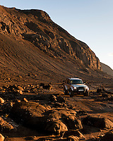 Land Rover Discovery II við Eldborgir.