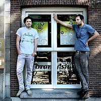"""Nederland, Amsterdam , 24 juli 2012..Olivier Wijtenburg (l) en Ted Tettero van Brandstof en organisatoren van """"So you think"""" in club Trouw.Foto:Jean-Pierre Jans"""