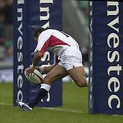 Twickenham. England. RFU Twickenham Stadium UKThe Investec Challenge. 17th Nov 2001<br /> England v Romania - Twickenham.<br /> Jason Robinson,      [Mandatory Credit:Peter SPURRIER/Intersport Images]