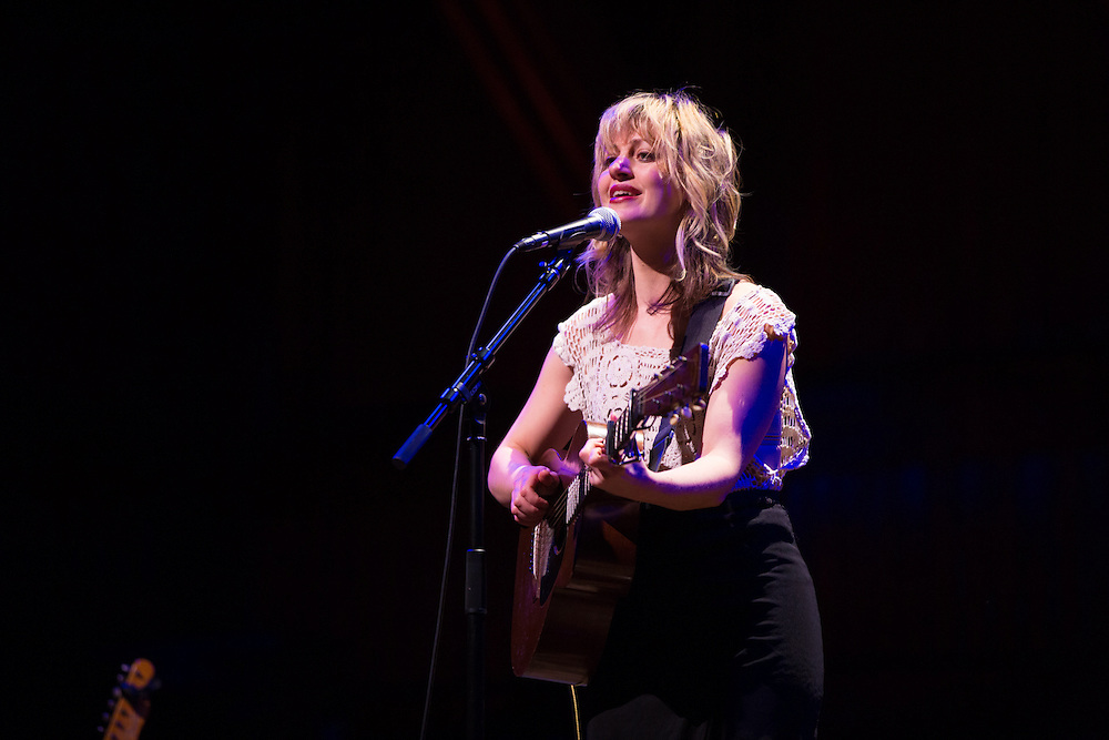 Anaïs Mitchell  performing with Noam Pikelny at Sanders Theatre